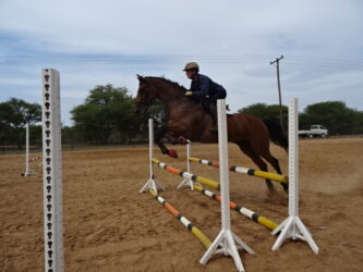 Tossy Raynor showjumping clinic in Botswana